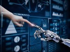 Menselijke hand reikt aan robothand